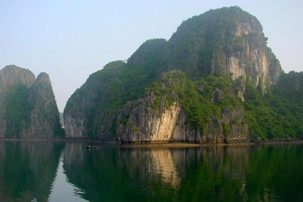 Photo de Vietnam (Halong bay landscape)