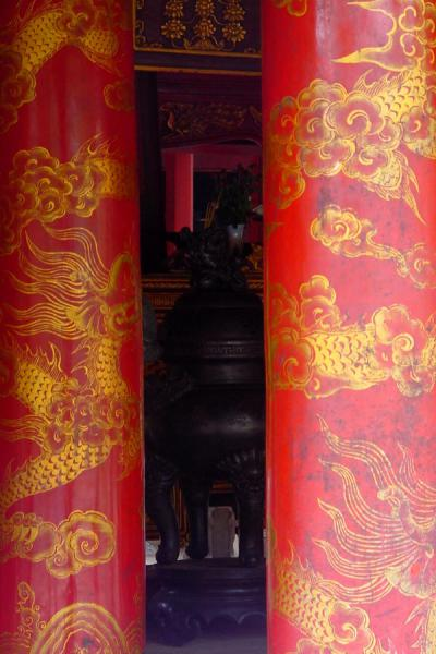Picture of Hanoi (Vietnam): Temple of Literature: two pillars