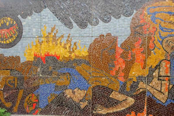 Foto di Detail of the memorial mosaicMy Lai - Vietnam