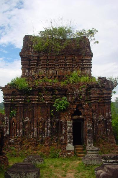 Foto de One of the towers of the D groupMy Son - Vietnam