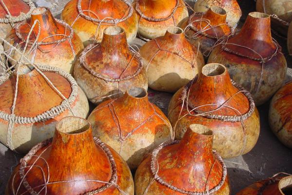 Picture of Bait al Faqih (Yemen): Bait al Faqih market: calebas for sale
