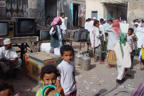 Picture of Bait al Faqih (Yemen): TV sets for sale on Bait al Faqih market