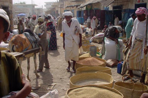 Picture of Bait al Faqih (Yemen): Street scene at Bait al Faqih market