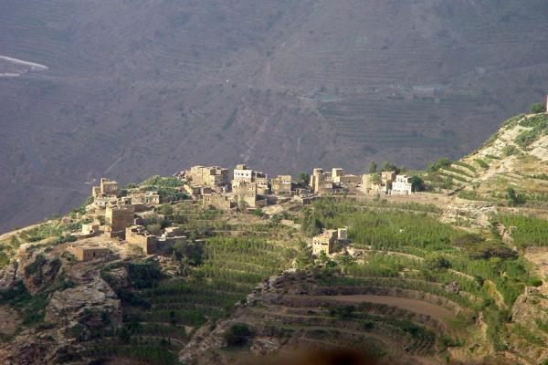 的照片 叶门 (Haraz Mountains: village perched on mountain ridge)