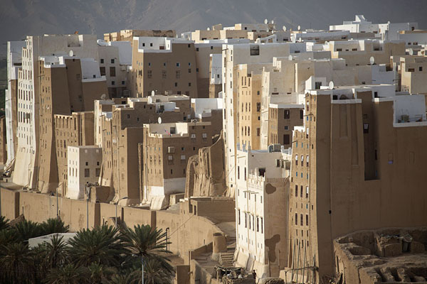 Sunset over Shibam is one of its main attractions for the delicate light | Shibam | Yemen