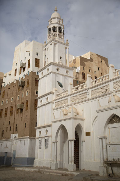 Picture of Shibam (Yemen): One of Shibam's wider streets